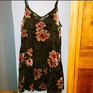 Dresses & Skirts - Velvet velour flower tunic dress just add cardigan